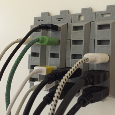 3d-printing-useful-at-home-usb-cable-holder